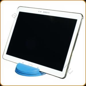 AURALUX kék asztali tablettartó kőrisfából