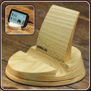 Telefontartó fából készítve