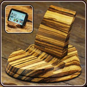 Telefontartó zebránó fából készítve